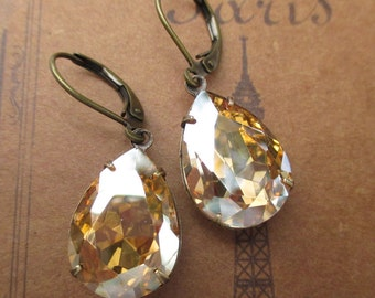 Golden Champagne Earrings Vintage Bride Estate Style Jewelry Bridesmaids Gifts CAMBRIDGE Golden