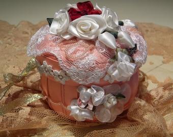 Victorian Miniature Keepsake Gift Box/Tree Ornament