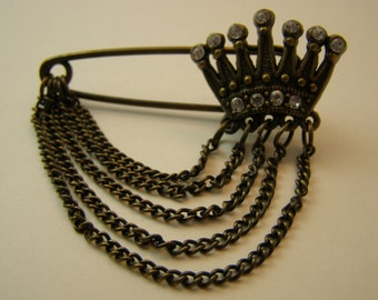 antique-style jeweled crown charm holder pin