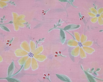 Vintage pink flowery poly cotton fabric Q1113 sewing crafting project costume making