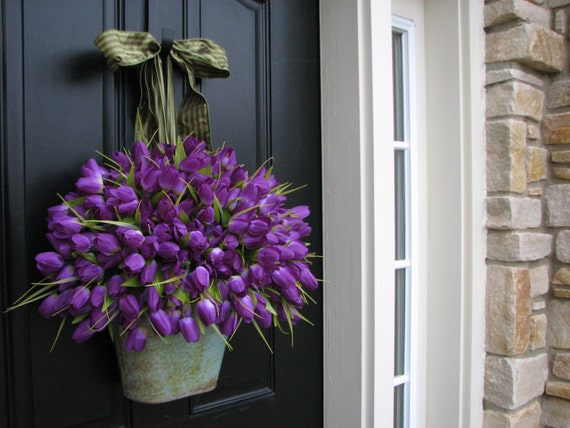 Tulips easter tulips spring door decor spring by twoinspireyou - Window decorations for spring ...