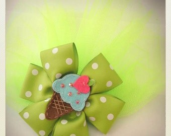 Large Pin Up-style polka dot kawaii ice cream hair bow with clip and vail, lime green