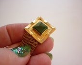 VTG Cuff Links w Jade 1960s Asian Style gold tone wrap around