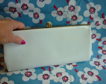 60s MOD Clutch Optic white patent w pearl snap