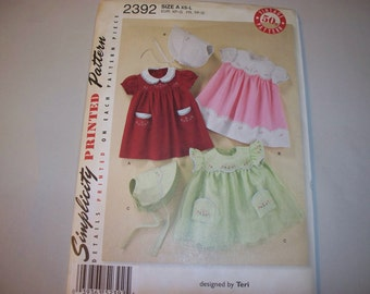 New Simplicity Baby Clothes Pattern, 2392 (Free US Shipping)