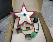 Working 1950s Noma Metal Christmas Tree Star with Original Box and Accessories