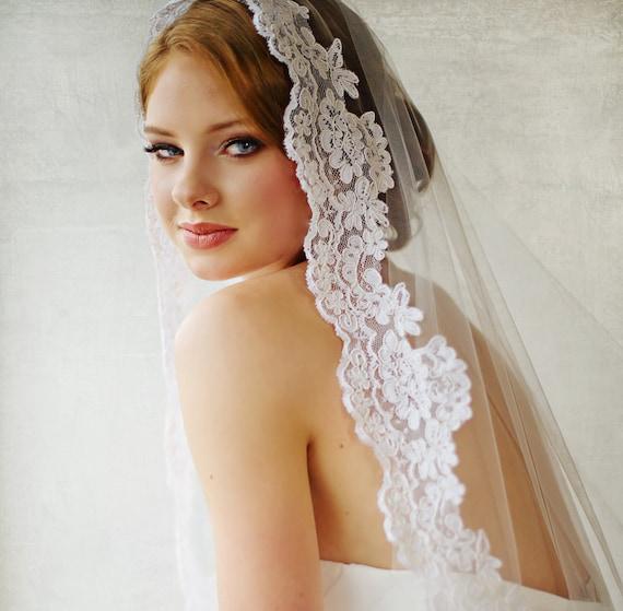 Lace detail wedding veil
