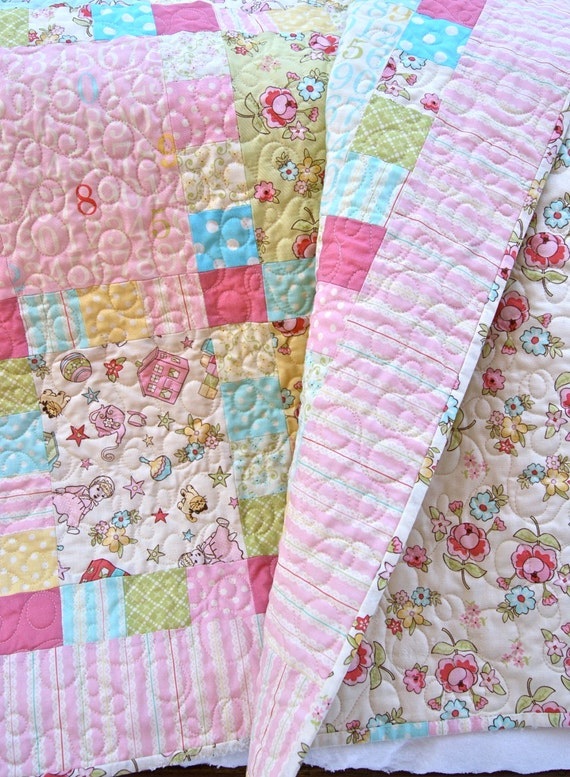 Quilt baby girl handmade vintage baby fabrics pink pastel for Retro baby fabric