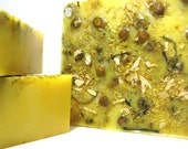 Gardenia Handmade Soap - Vegan - Enriched with coconut milk and chamomile - Gift Soap with creamy bubbly lather