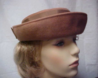 Brown wool sailor style hat with brown bow in back - fits 22 inch