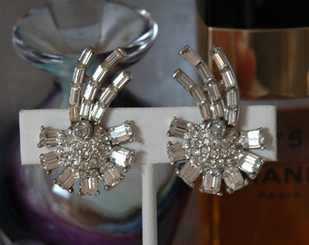Vintage Comet Earrings, Vintage Bride, Signed Astra, Lobe Climbers, Excellent Vintage Condition