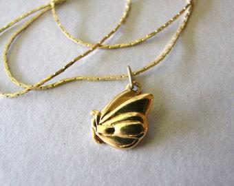 Vintage Monet gold butterfly necklace (J8)