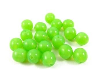 30 - Czech Pressed Glass Druk Beads - Bright Green - 6mm - D0436