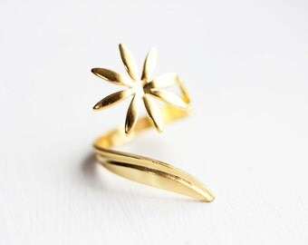 Daisy Swirl Ring