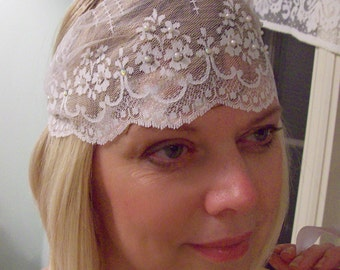Flapper inspired vintage white lace cap  hippie boho gypsy  wedding veil