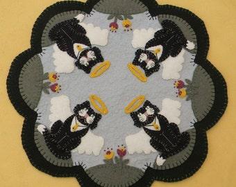 Angel Kitties Penny Rug/Candle Mat pdf DIGITAL PATTERN