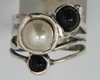 Sterling silver ring set with onyx and pearls. Israeli designer bohemian ring, Hanukkah gifts, Christmas gift
