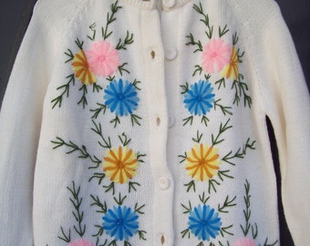 Vintage Midcentury White Floral Sweater-Fully Fashioned Label-Medium, Large