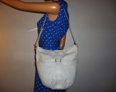 Drop in the BUCKET - Vintage 70's - Light Grey - Leather - BUCKET - Satchel - Bag - Buckle Detail - Size large - 13.5 x 11 x 6