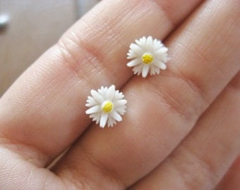 Daisy Stud Earrings Tiny Post Little White Flower Sunflower Sun Flower 7mm Ear Jewelry