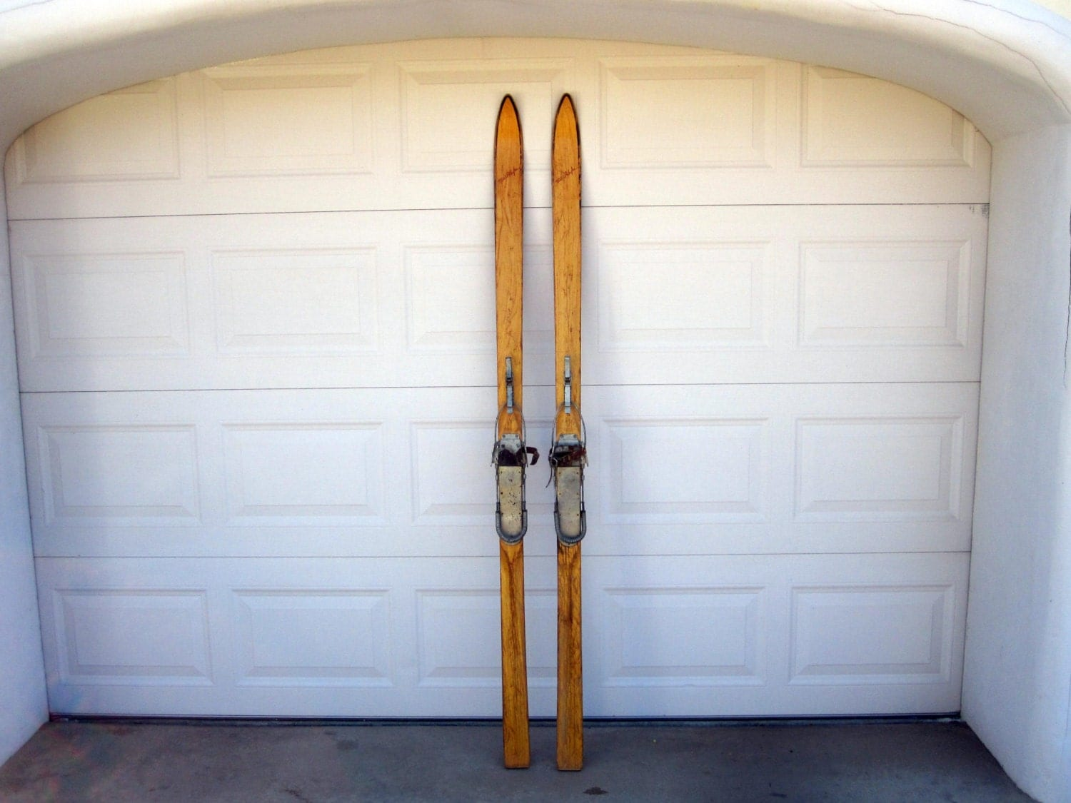Antique Pair Of Wooden Skis / Great For Rustic Home Decor