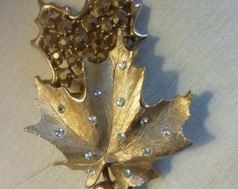 Vintage SARAH COVENTRY Double Leaf Brooch