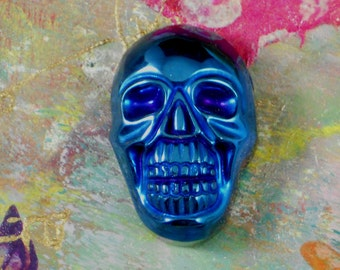 Metallic Blue Skull Bead Sided Drilled Jewelry Carved Stone Pendant (5266)