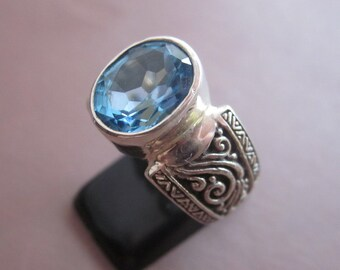 Balinese Silver 925  Topaz Ring /  size :  8 ready to ship  / sterling silver / granulation technique  / Bali handmade jewelry.