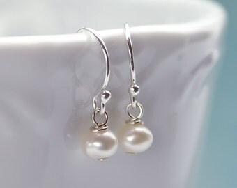 Classic Pearl Earrings, Freshwater Pearl Earrings, White Pearl Earrings, Silver and Pearl Earrings, Bridesmaid Earrings