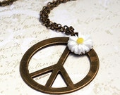 Hippie Chic Peace Sign Necklace. Daisy. Peace and Love.