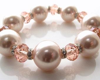 peach pearl stretchy bracelet - peach beaded bracelet - pearl and crystal bracelet