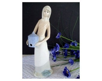 YOUNG LADY Holding BIRDHOUSE Figurine * Japan * Soft Colors