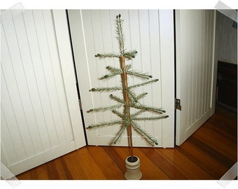 Faux-Feather Tree with Wooden Base/Home Decor*