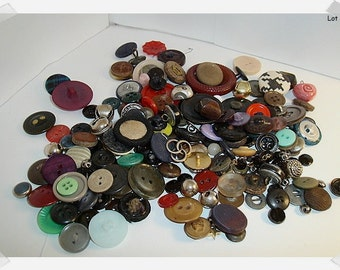 Vintage Metal/Plastic Buttons/Assorted Lot/ Craft Supplies(#12)*
