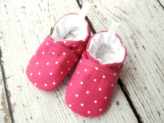SALE Classic Vegan Fancy Fushia Polka Dots / All Fabric Soft Sole Baby Shoes / Made to Order