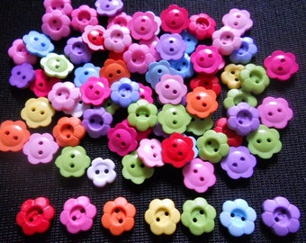 50 pcs - Cute Flower buttons 2 holes - size 11 mm Mix color