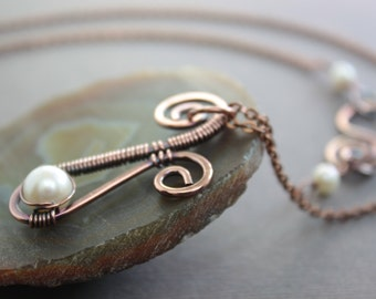 Wire wrapped Paisley copper necklace with pendant and white pearl - Solitaire pearl necklace