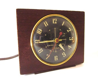 Vintage Electric Clock General Electric Telechrom Wood Front