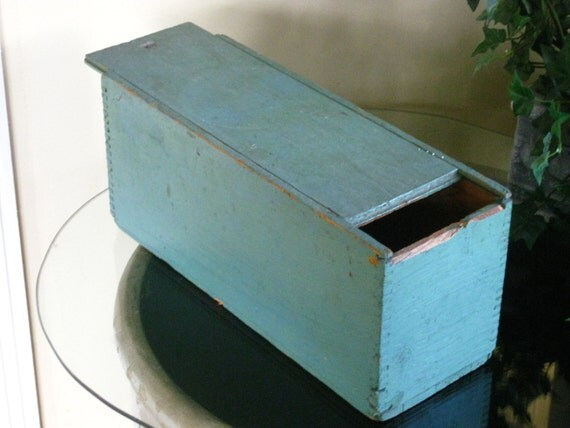 Early Dovetail Storage Box Green Chippy Paint By