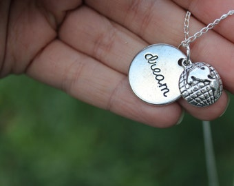 I dream of travelling the world, Travel charm necklace.