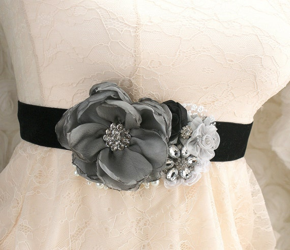 Black Wedding Sash, Bridal, Wedding, Maid of Honor, Black, Gray, White, Silver, Velvet, Pearl, Crystals, Brooch, Elegant wedding