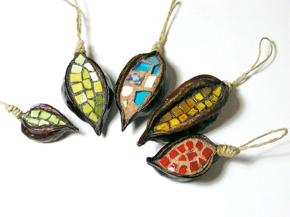 ornaments - mosaic handmade in 5 natural pods - Christmas Tree and House decoration - mixed