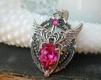 Fuchsia Winged Necklace N52