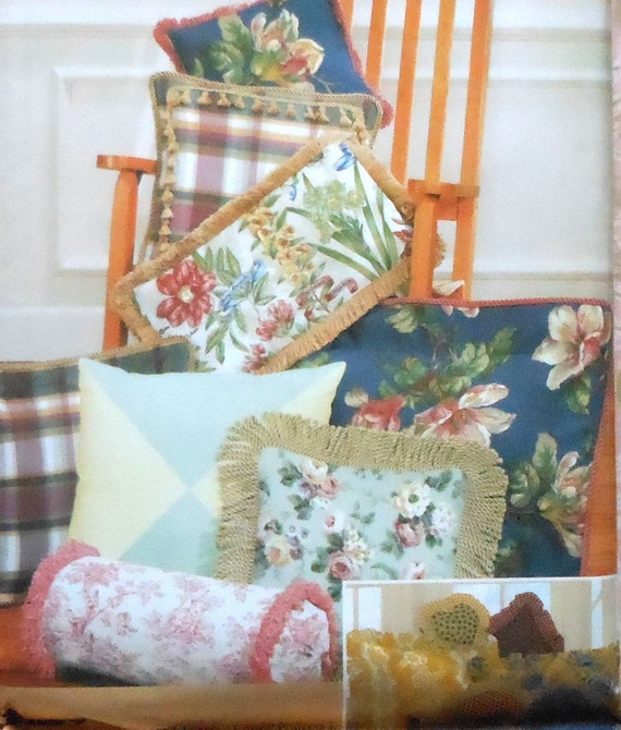 Decorative Pillows Sewing Pattern UNCUT Simplicity 9683 sofa