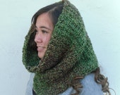 Woodland Green Scarf * Thick Circle Cowl * Made to Order * Vegan Neckwarmer Men / Women by Tejidos on Etsy