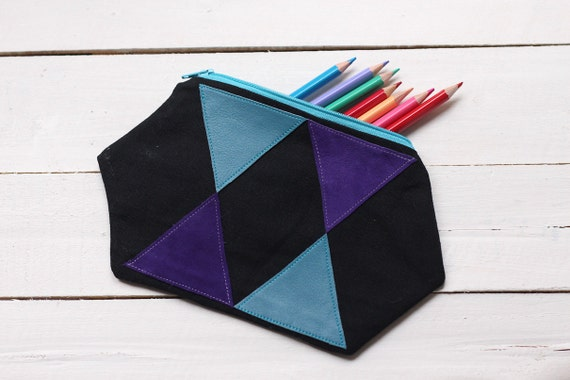 Zipper pouch linen and leather with triangle geometric pattern
