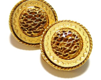 gold tone round vintage clip on earrings CS513
