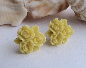 Yellow Rose Post Earrings, Yellow Flower Earrings, Yellow Earrings, Flower Earrings, Post, Studs, vintage, cabochon