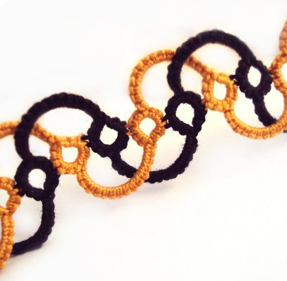 Tatted Halloween Bracelet in Black and Gold / Yellow - Isolde - Adjustable