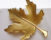 Gold Tone Maple Leaf Costume Pin